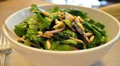 How to Make a Spinach Salad with Mushrooms and Pine Nuts « Spinach and Mushroom Salad with MisoTahini Dressing Recipe FineCoo. How To Make Spinach, Lunch Recipes, Healthy Recipes, Mushroom Salad, Spinach Stuffed Mushrooms, Breakfast Lunch Dinner, Spinach Salad, Dressing Recipe, Balsamic Vinegar