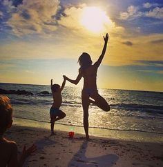 Gisele Bundchen Does Yoga in Bikini – Gisele Bundchen Bikini Pictures | OK! Magazine