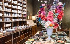 Astier de Villatte Ceramics & Decor Shop in Paris Ceramic Shop, Ceramic Decor, Dinning Table Set, Concept Shop, Paris Shopping, Im Not Perfect, Table Settings, Louvre, Ceramics