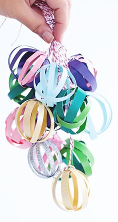 Pretty paper party balls- use as garland or cluster together for a chandelier-like effect. Diy Paper, Paper Crafts, Diy Crafts, Diy Party Decorations, Christmas Decorations, Christmas Crafts, Christmas Ornaments, Christmas Trees, Paper Balls