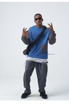 dsq spray paint ripped hole patch elastic slim jean pants in blue Patched Jeans, Blue Denim Jeans, Ripped Jeans, Jeans Pants, Casual Photoshoot, Jogger Pants, Joggers, Parker Coat, Slim Pants