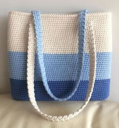 - # description # available # . Crochet Clutch, Crochet Handbags, Crochet Purses, Crochet Bags, Love Crochet, Crochet Gifts, Diy Tote Bag, Simple Bags, Easy Bag
