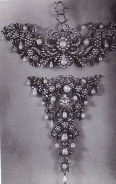 German two-part corsage ornament, c 1710-20.  Gold, diamonds and pearls.