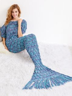 Turquoise Crocheted Fringe Fish Scale Design Mermaid Blanket