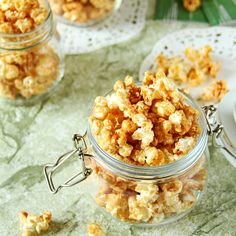 Easy homemade sweet and salty cinnamon sugar popcorn. Cinnamon Sugar Popcorn, Popcorn Ice Cream, Delicious Desserts, Dessert Recipes, Homemade Popcorn, Whipped Frosting, Exotic Food, Party Snacks, Kid Snacks