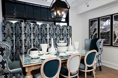 Suzie: Megan Winters - Gorgeous dining room with trio of three panel folding screens . Whitewash Dining Table, Glass Dining Table, Dining Area, Antique Dining Chairs, French Dining Chairs, Home Design, Cottage Dining Rooms, White Painted Furniture, Gold Interior