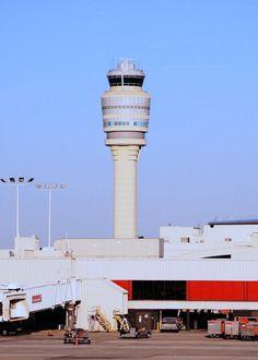 Control tower for Atlanta's Hartsfield-Jackson International Airport