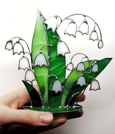 White-Lily-of-the-valley-Stained-Glass-Stand