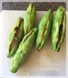How to make Stuffed Karela, Bitter gourd stuffed with fresh indian spices. Traditional Punjab Style Karela Recipe, Step by Step Stuffed Karela Recipe… Continue reading → Vegetarian Options, Vegetarian Recipes, Cooking Recipes, Food Fantasy, India Food, Dessert Recipes, Desserts, Curry Recipes, Avocado Toast