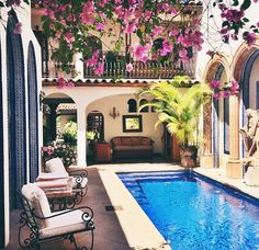 Spanish style homes – Mediterranean Home Decor Hacienda Style Homes, Spanish Style Homes, Spanish Colonial, Spanish Revival, Spanish Hacienda Homes, Spanish House Design, Spanish Style Interiors, Mexican Style Homes, Hacienda Decor