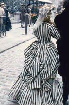 Colleen Atwood for Sleepy Hollow: Katrina Van Tassels famous striped dress #sleepyhollowmovie