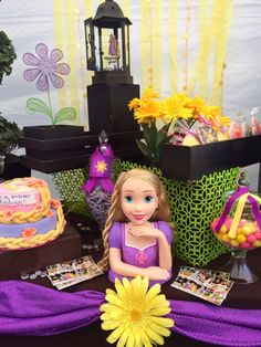 Loved the Tangled movie and have some great Tangled Birthday Dessert Table ideas Tangled Birthday Party, Girl Birthday, Birthday Parties, Girl Parties, Dessert Table Birthday, Dessert Tables, Rapunzel, Tangled Movie, Days For Girls