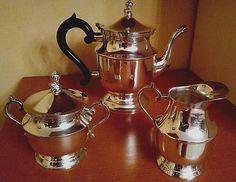 Set-service-theiere-pot-a-lait-sucrier-plaques-argent-EPNSA1-vintage-annees-60