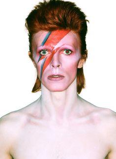 Passatempo/David Bowie: ganhe 7 álbuns em vinil | SAPO Mag