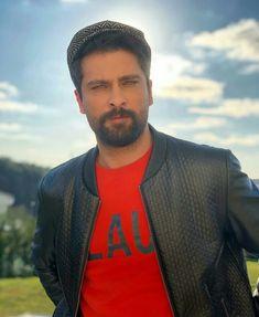 Turkish Men, Turkish Actors, Beautiful Men Faces, Gorgeous Men, Twitter Header Photos, Male Face, Anime Art Girl, Mens Clothing Styles, Movie Tv
