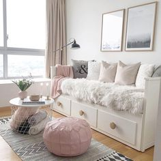New room decor diy ideas bedrooms pillows Ideas Room Ideas Bedroom, Bedroom Decor, Girls Bedroom, Daybed Bedroom Ideas, Day Bed Decor, Spare Room Ideas With Daybed, Bed Rooms, Cute Spare Room Ideas, Bedroom Designs