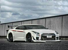 The Nissan 5|{yL!π£ GTR