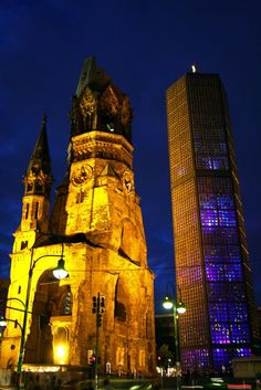 Gabriel Loire, Windows of the Kaiser Wilhelm Memorial Church in Berlin The Places Youll Go, Places To See, Places Ive Been, Berlin Photos, Kaiser Wilhelm, Berlin City, Night City, Beautiful Buildings, Kirchen