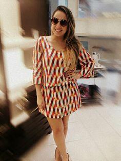 A linda blogueira @samanta_sasa passou na nossa loja Praia do Canto para conferir a coleção Luxus #adoramos #coleçãoluxus #lookmb #mairabumachar