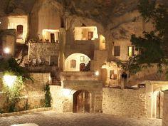 Yunak Evleri Cave Hotel12  - Dit 5-sterren hotel is volledig uit een berg gehakt - Manify.nl