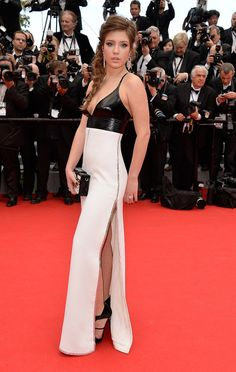 @Grace Nelson di @Carrie Corrall: #Adele Exarchopoulos seduce in Louis @Vuittonhttp://www.sfilate.it/225400/festival-cannes-adele-exarchopoulos-seduce-in-vuitton