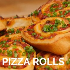 Pizza rolls - pisusafi R - Pizza Recipes, Easy Dinner Recipes, Appetizer Recipes, Vegetarian Recipes, Cooking Recipes, Vegetarian Appetizers, Pastry Recipes, Pizza Rolls, Rolls Rolls