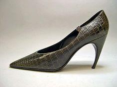 House of Dior    Designer:Roger Vivier   Date:1960