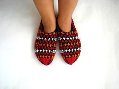 knit slippers orange red black white Turkish by AnatoliaDreams