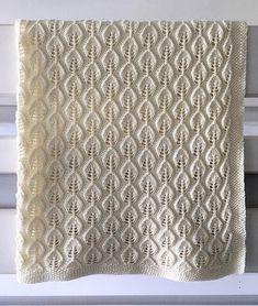 Bella-tæppe i en ekstrastor udgave. Knitting Patterns, Crochet Patterns, Drops Design, Cardigans For Women, Fiber Art, Mattress, Free Pattern, Quilts, Inspiration