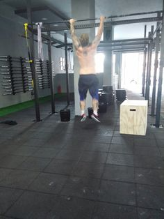 8/11/2014  3 rounds of :   5 min. Amrap  5 hang power cleans (50 kg) 7 pull-ups 9 burpees   Rest 3 min. between rounds  Than,   1k row