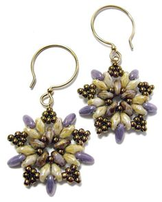 FREE PATTERN!! Easy earrings made from seed beads, two-hole SuperDuo beads and the new Rizo beads (like SuperDuo beads but slightly longer with only one hole). The pattern is fully illustrated with detailed step-by-step instructions.