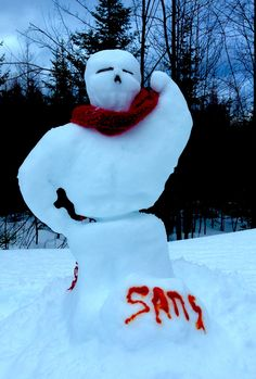 Papyrus and Sans' snowmans by @RejectOutOfOrder