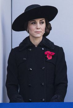 Kate Middleton Photos Photos - Catherine, Duchess of Cambridge attends the annual Remembrance Sunday Service at the Cenotaph on Whitehall on November 13, 2016 in London, England. The Queen, senior politicians, including the British Prime Minister and representatives from the armed forces pay tribute to those who have suffered or died at war. - The Royal Family Lay Wreaths At The Cenotaph On Remembrance Sunday