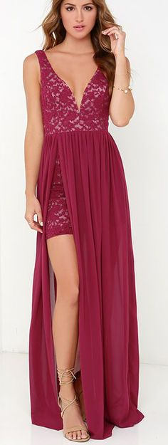 Berry Red Lace Maxi Dress ==