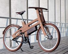 The E-Bough wooden electric bike Wooden Bicycle, Wood Bike, Velo Design, Bicycle Design, Peugeot Bike, Home Made Gym, Velo Cargo, E Biker, Diy Cnc Router