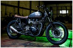Triumph Bonneville SE - Maccomotors - Pipeburn - Purveyors of Classic Motorcycles, Cafe Racers & Custom motorbikes