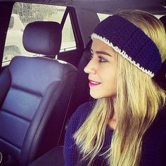 @ghadeerar looking amazing :) for a simple headband check out this one and order urs now | #yarknit #headband #headbands #navyblue #white #simpleheadband #wool #yarn #knit #winterwear #woolwear