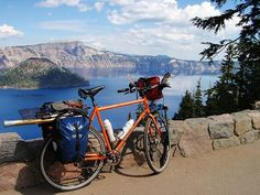 crater lake oregon Crater Lake isn't just another pretty place to stop along the road -- families of all ages can enjoy many different activities at this beautiful Oregon gem! Mtb, Crater Lake Oregon, Bicycle Workout, Touring Bike, Travel And Tourism, Bike Life, Dream Vacations, State Parks, National Parks