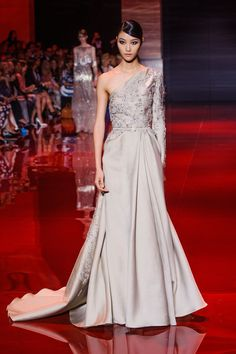 Défile Elie Saab Haute couture Automne-hiver 2013-2014 - Look 29