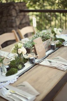 white succulents | rustic tablescape with succulents and white florals | Rustic