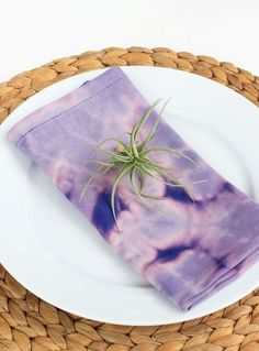Tie dye dinner napkins are a welcomed trend from the 80s.