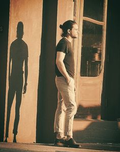 The Wacky Kit Harington - iceandfireroyalty: Even the shadow is attractive W...