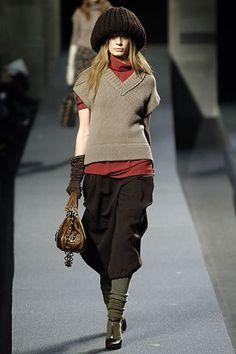 Marc Jacobs Fall 2006 Ready-to-Wear Fashion Show - Julia Dunstall
