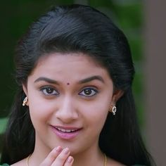 Cute & Smiling Queen #Keerthy Suresh ❤️❤️25 Beautiful Girl Indian, Most Beautiful Indian Actress, Beautiful Actresses, Beautiful Women, Indian Natural Beauty, Indian Beauty Saree, Cute Girl Poses, Girl Photo Poses, Girl Pictures