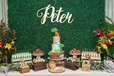 We welcomed a beautiful baby boy, Peter, into the world a couple of weeks ago.The grass backdrop, wild flowers and desserts came together perfectly to create the jungle theme. Photographer:Chasin…