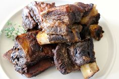 Organic Grass Fed Beef Short Ribs Recipe - Whole Lifestyle Nutrition Rib Recipes, Crockpot Recipes, Whole Food Recipes, Primal Recipes, Dinner Recipes, Healthy Recipes, Organic Grass Fed Beef, Brownie Ingredients, Beef Short Ribs