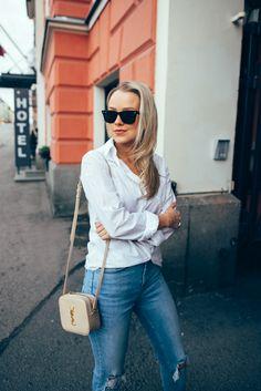 Mom Jeans With a Classic Shirt (Jonnamaista) f93abc742e