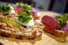 Chlebíček Camembert Cheese, Waffles, Dairy, Breakfast, Food, Morning Coffee, Essen, Waffle, Meals
