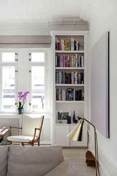 Ekenstam platsbyggd bokhylla