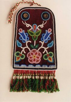 Metis Beadwork: Artistry of Gary Johnson Part 2 - Read online for free. Metis Beadwork: The artwork of the late Metis artist Gary Johnson (Montana) is featured in this photo essay. Indian Beadwork, Native Beadwork, Native American Beadwork, Beaded Purses, Beaded Bags, Beading Patterns, Embroidery Patterns, Bracelet Patterns, Native American Clothing
